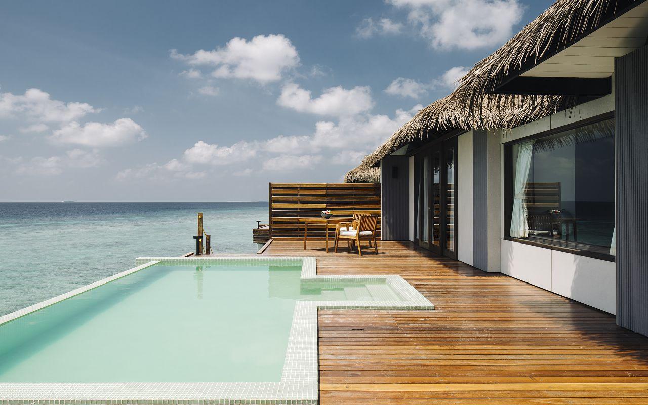 Water Pool Villa - Deck (1)