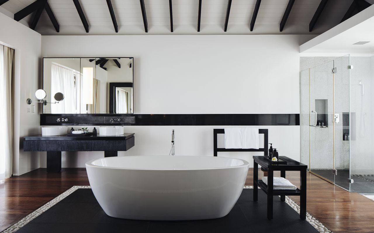 Water Villa - Bathroom (1)