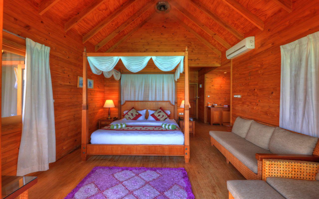 Water villa bed