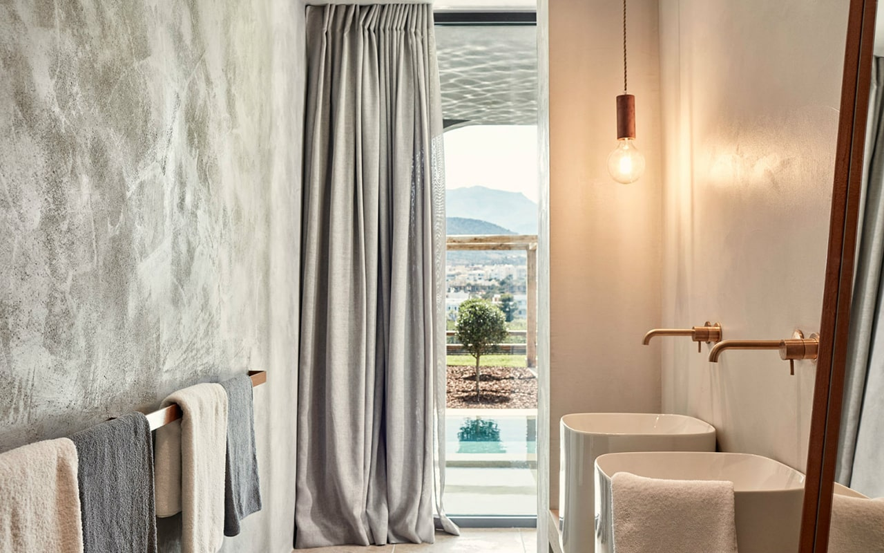 Waterfall-Suite-with-private-pool4-min