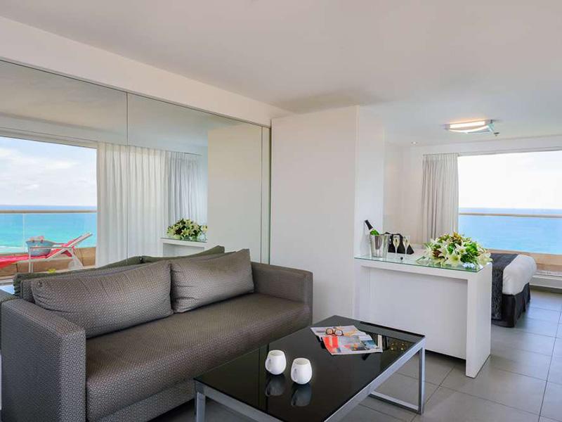 White suite2