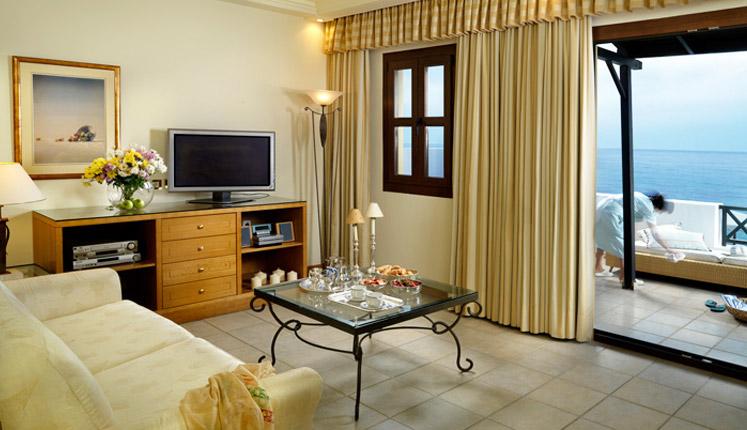 aldemar oyal mare VIP_suite_SF_upper_floor