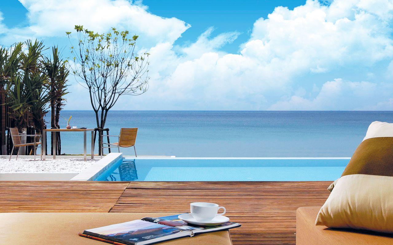 aleenta-phuket-3-br-beachfront-villa7