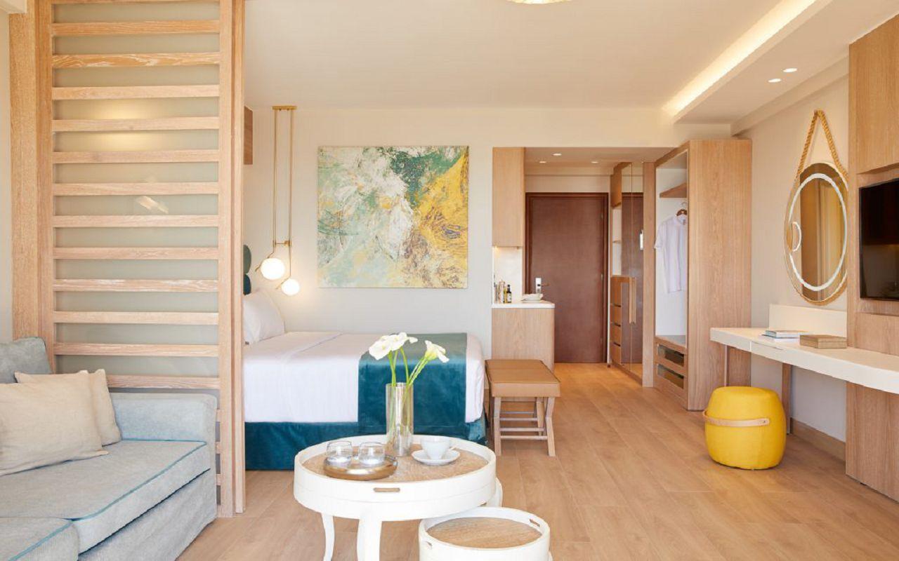 anthemus_sea-junior_suites-03-1024x683