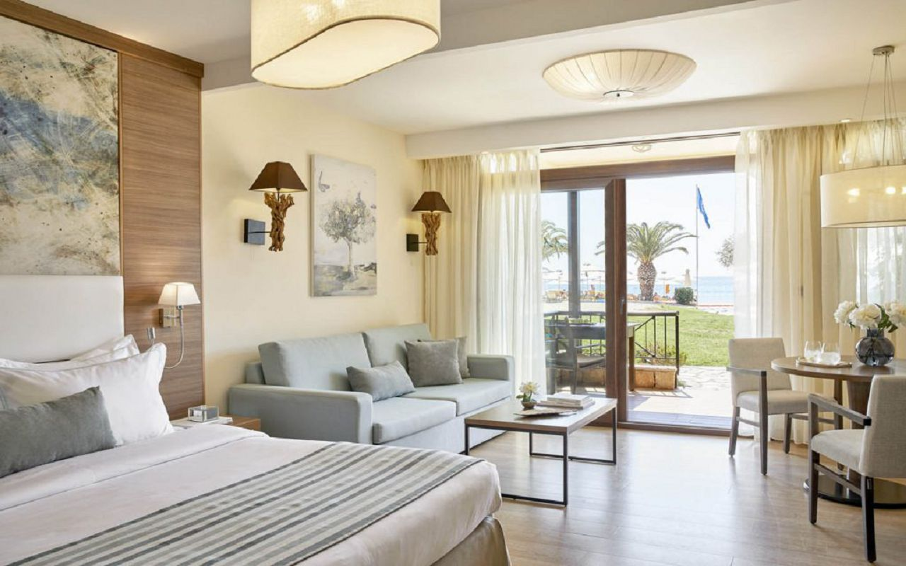 anthemus_sea-junior_suites-07-0291-1-1024x683