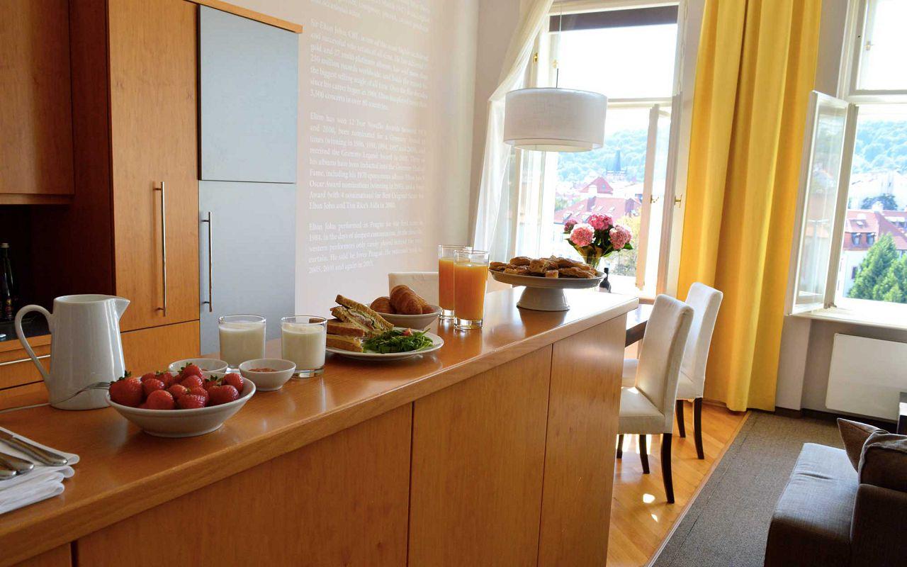 asten-hotels-klarov-ambasador-suite