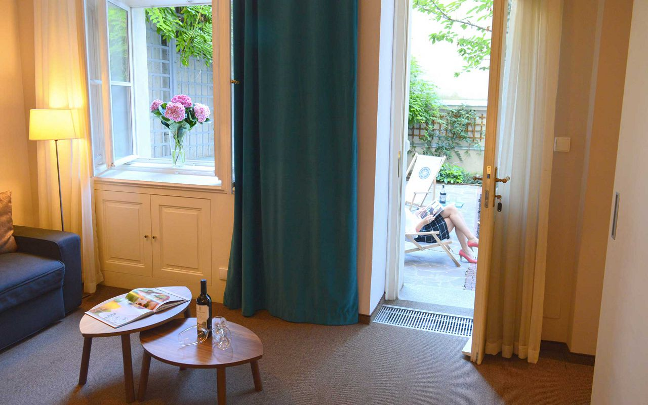 asten-hotels-klarov-garden-suite
