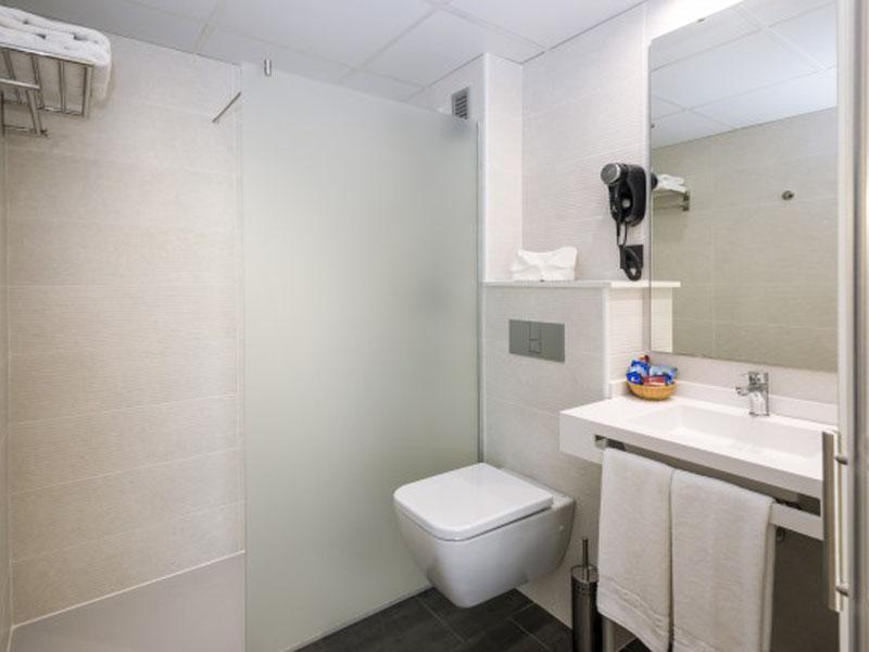 baño-aparthotel-535x400