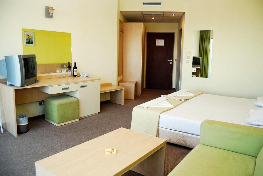 bdf6bbfb76c77c88b771e5981bca9ffc_park-hotel-golden-beach_2