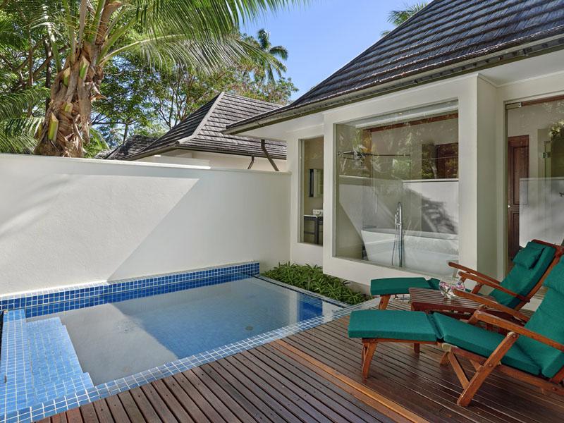 beachfront villa with plunge pool 3