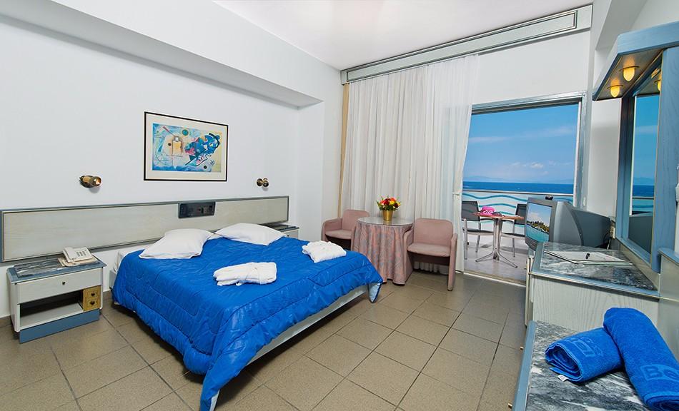 belair beach family room