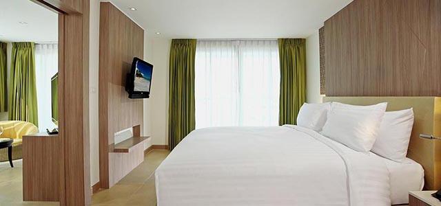 centara 1 bedroom suite-2