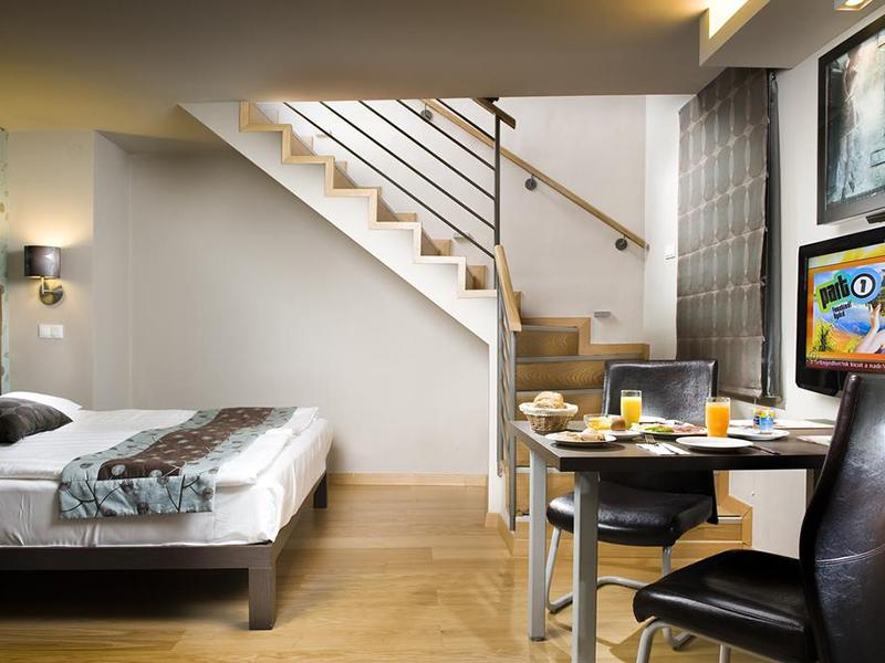deluxe apartment2