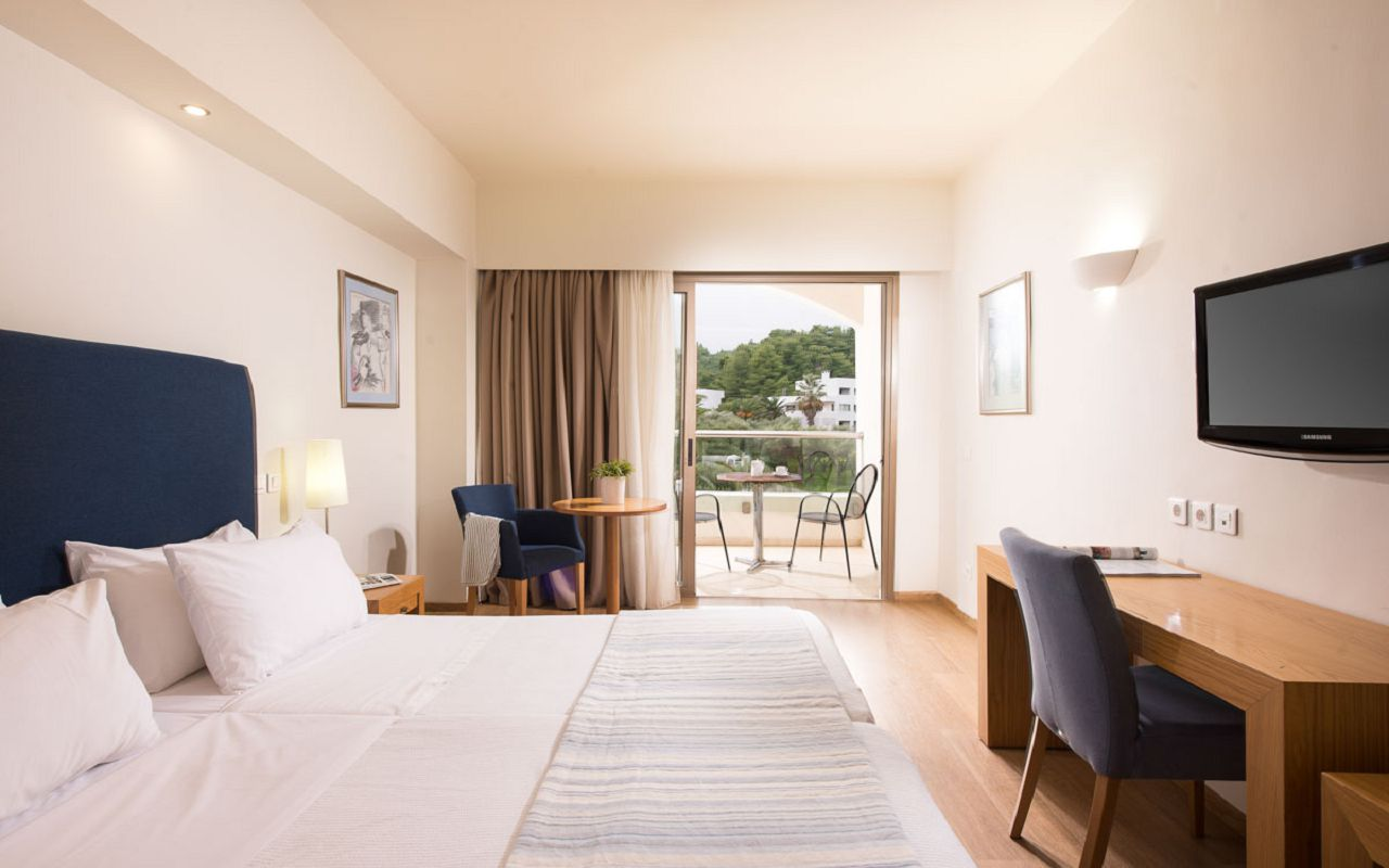 deluxe-double-room-mountain-view-2