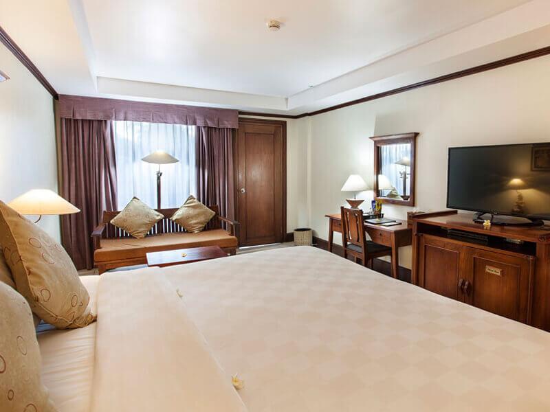 -deluxe-room-double-bed