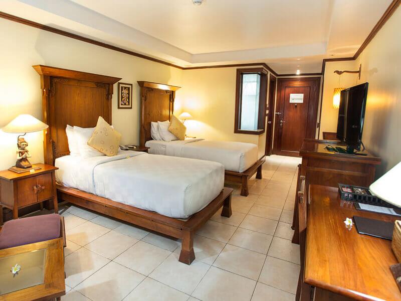 deluxe-room-twin-beds2