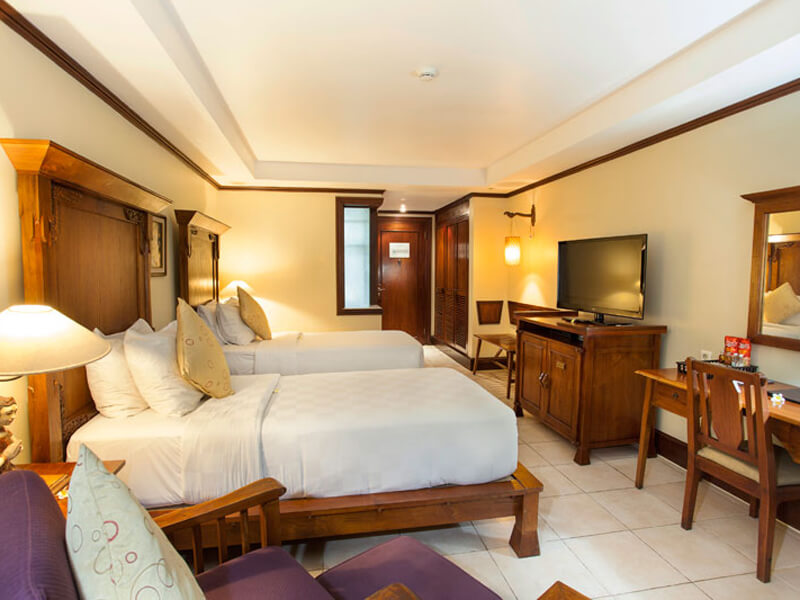 deluxe-room-twinbed-at-ramayana-hotel-bali