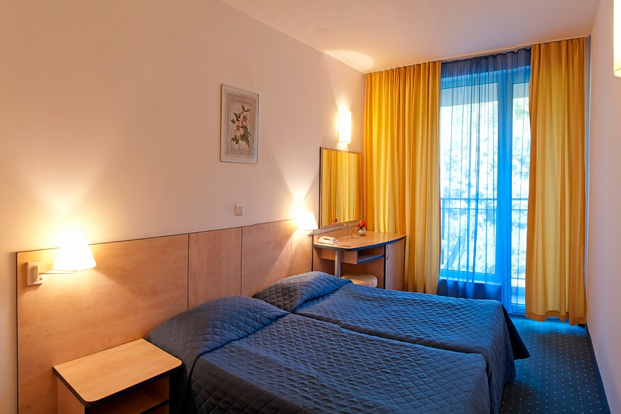 doubleroom_head_hotel_madara1