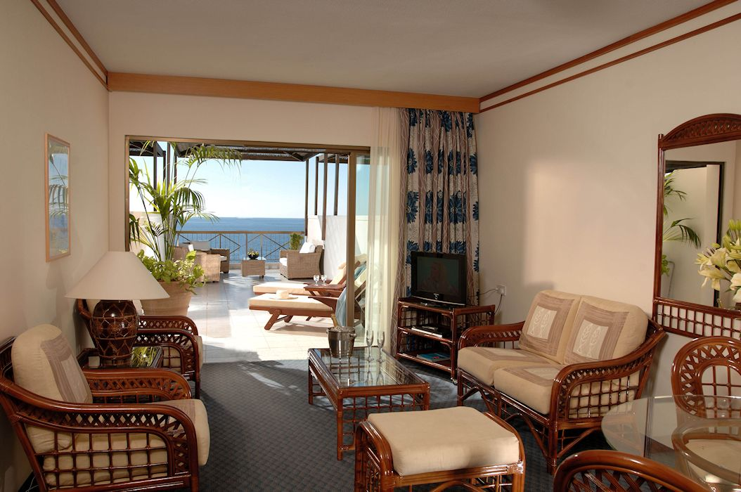executive_suite_front_sea_view_2