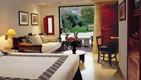family-rooms-garden-view