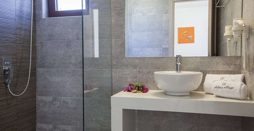 familyroom-suite-4-1024x529-min