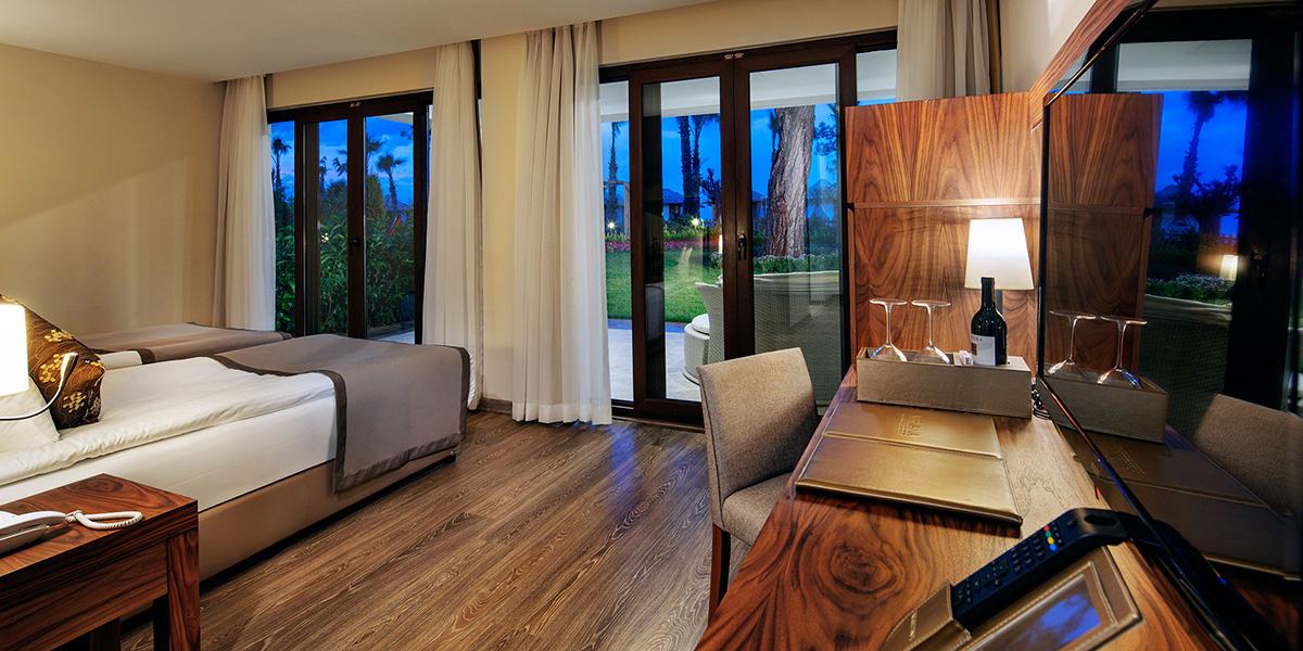 grand deluxe beach suite1