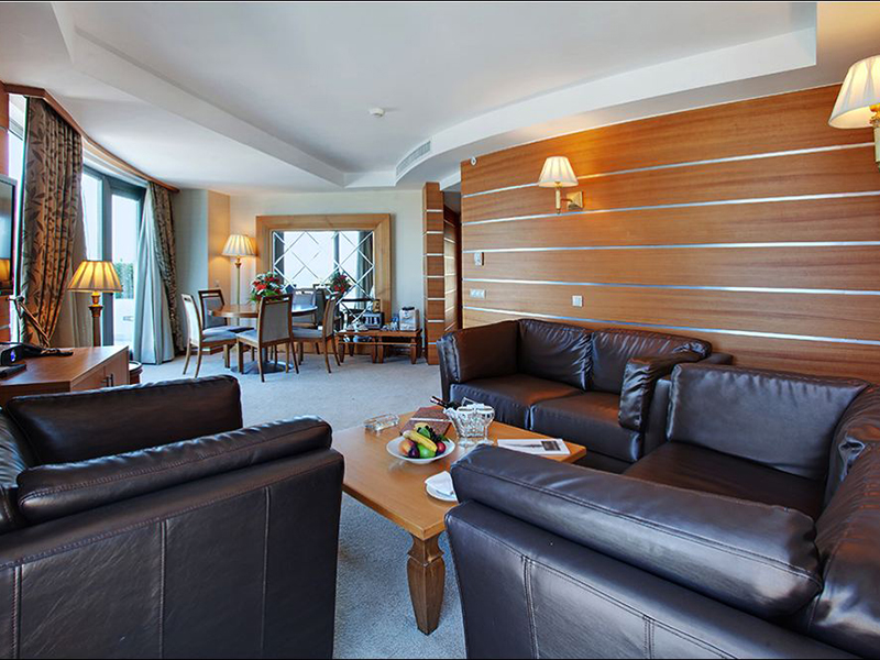 grand-king-suite-2