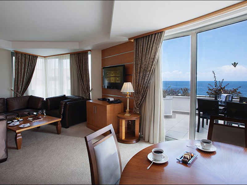 grand-king-suite-5