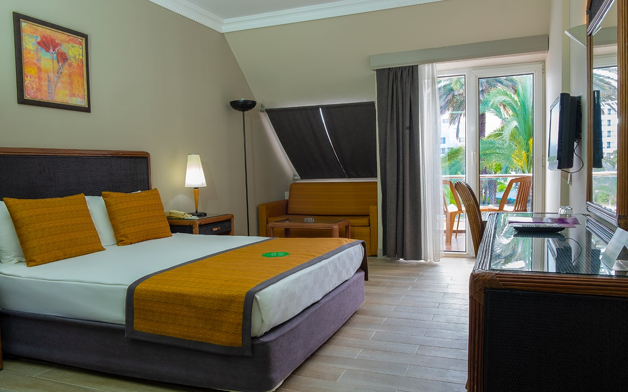 hotel-family-(3)-min