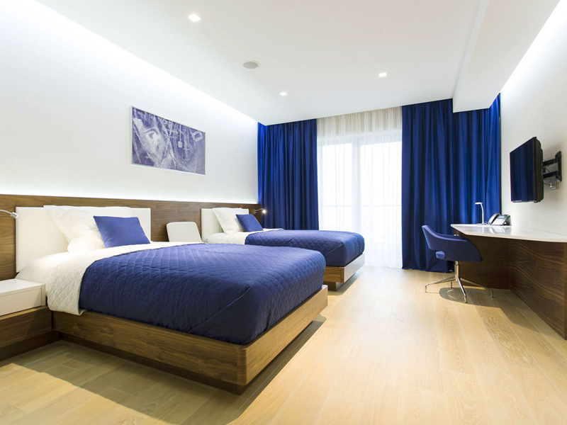 hotel-plaza-deluxe-twin-beds