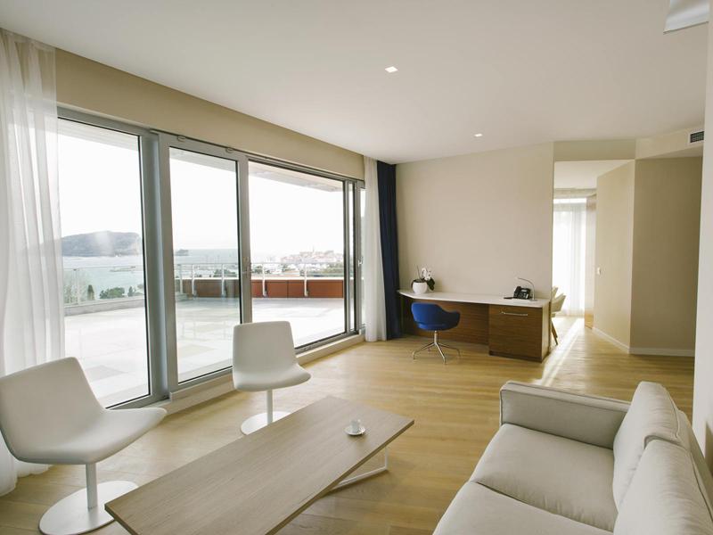 hotel-plaza-penthouse-lobby