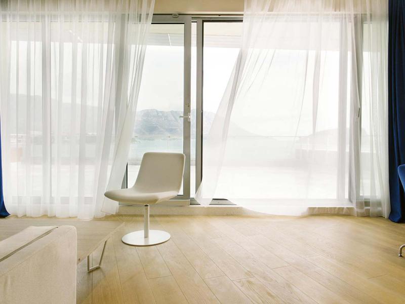 hotel-plaza-penthouse-window