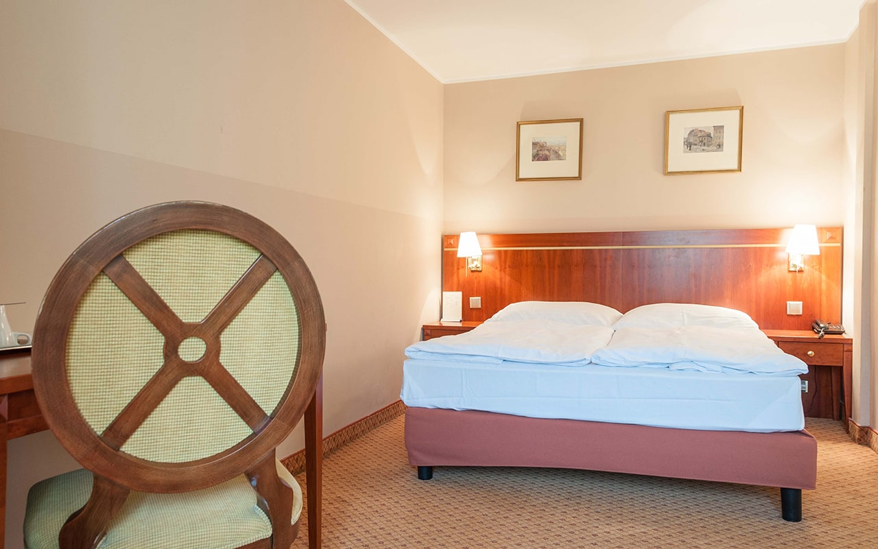 hotel-raffaello-apartment-with-terrace-03-min