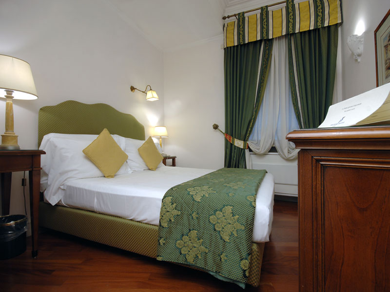 hotel-the-duke-rooms-small-double-room
