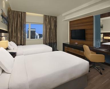 king_two_bedroom_suite_2