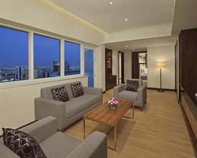 king_two_bedroom_suite_3