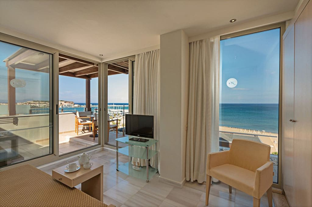 kriti-beach-hotel-deluxe-suite-front-sea-view-29jpg
