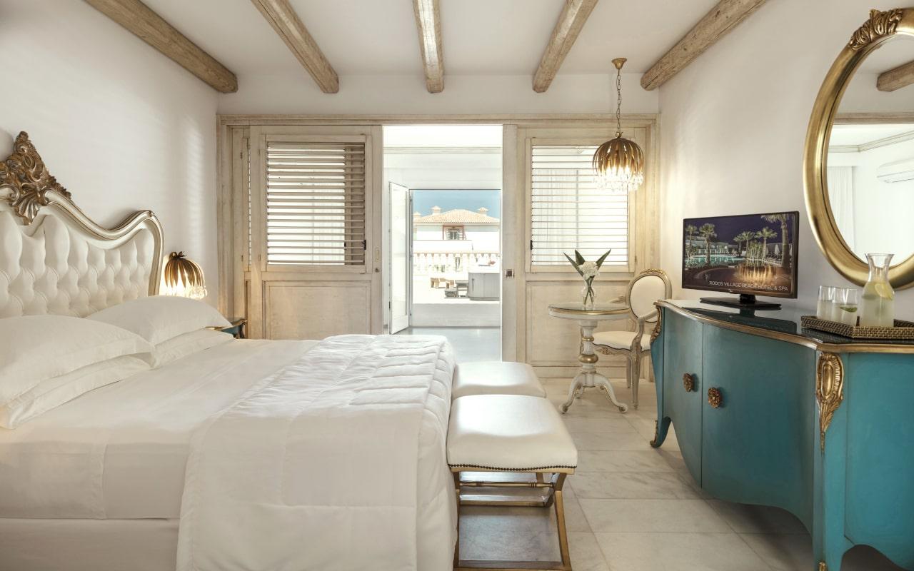 mitsis_crete_laguna_bungalow_family_gardenview_room_whirlpool_jazzi_2940-min