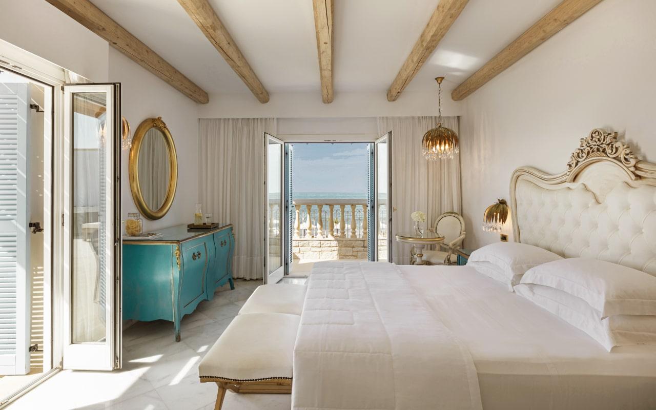 mitsis_crete_laguna_bungalow_seaview_room_whirlpool_jazzi_3006-min