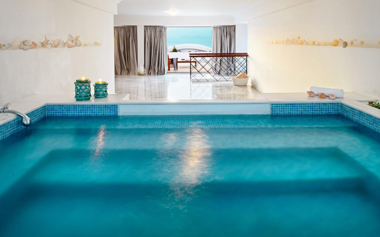 mitsis_rhodes_grandhotel_presidential_suite_pool-min