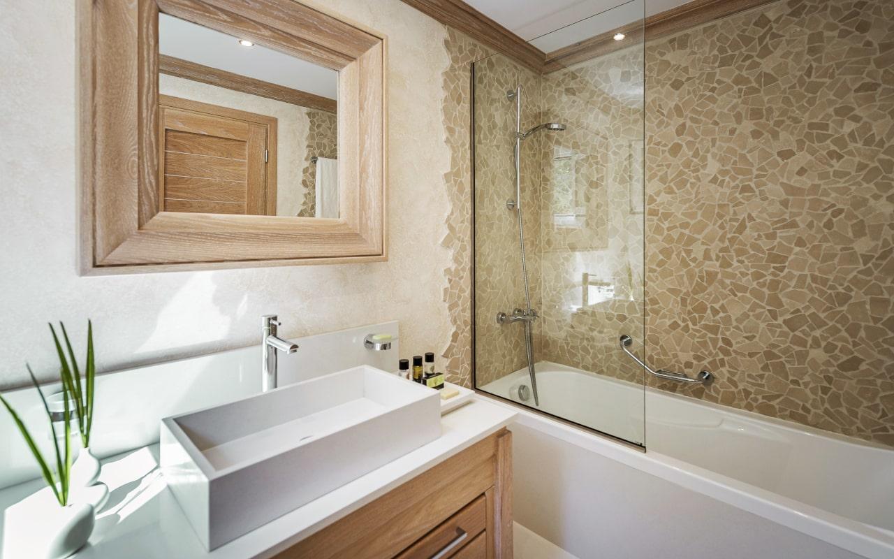 mitsis_rhodes_rodosvillage_superior_family_garden_view_bathroom4-min
