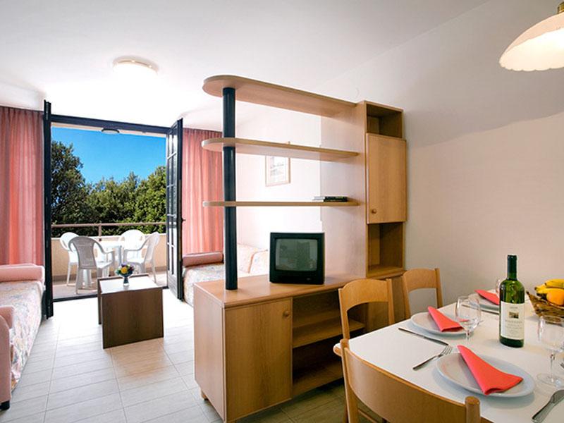 naturist-resort-solaris-standard-1-bedroom-app-4-persons-seaside