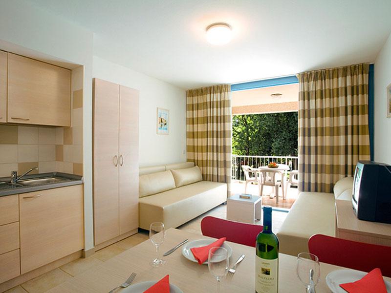 naturist-resort-solaris-superior-1-bedroom-app-4-persons-seaside