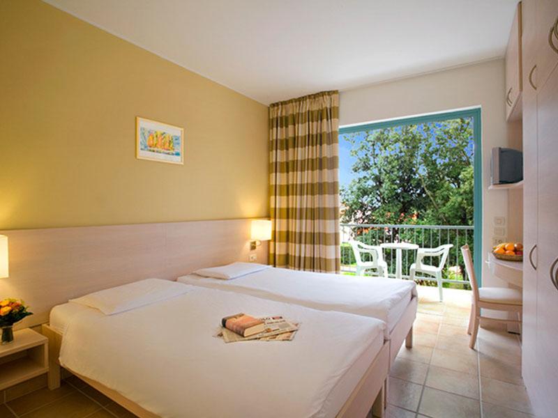naturist-resort-solaris-superior-room-air-conditioned-seaside