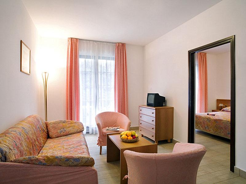 naturist-resort-solaris-superior-suite-seaside-01