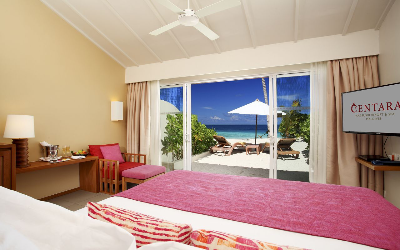 ocean-front-beach-villa-04