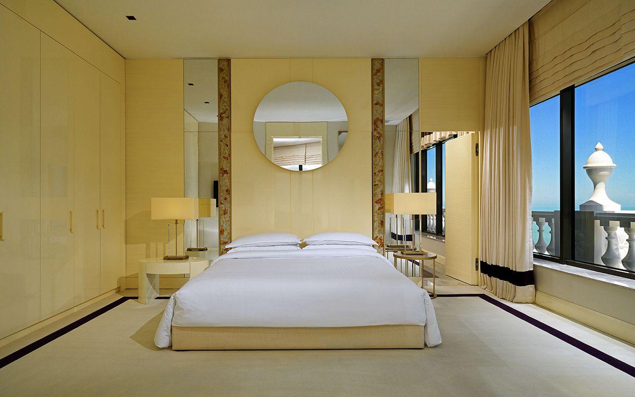 penthouse_suite_bedroom_prev_2048x1536
