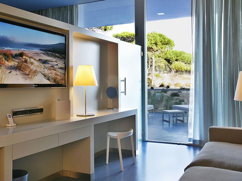 premium-hotel-room2