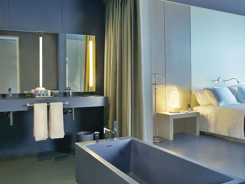 premium-hotel-room3