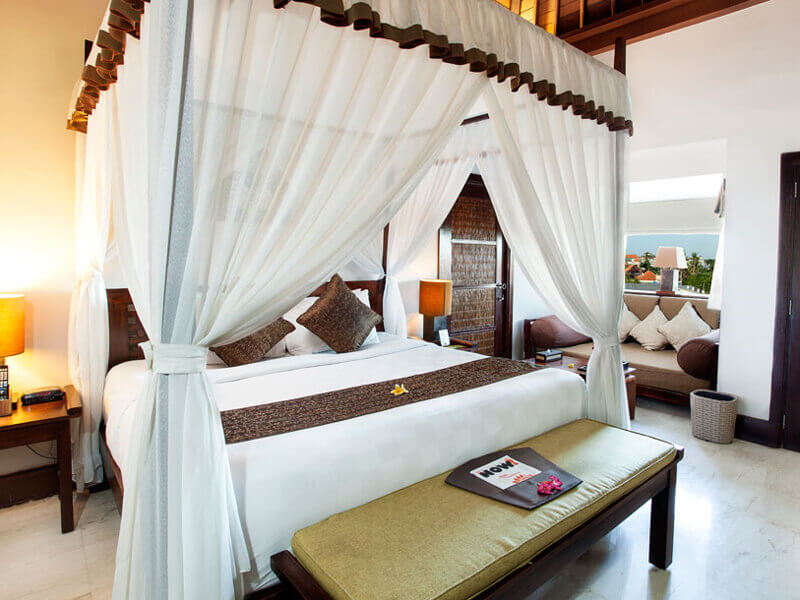 resort-club-double-bed